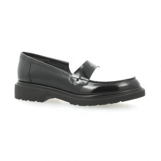 128dfcdc0f784b Ippon Vintage mocassins cuir vernis noir blanc chaussures Queen