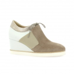 Benoite c Baskets cuir velours taupe