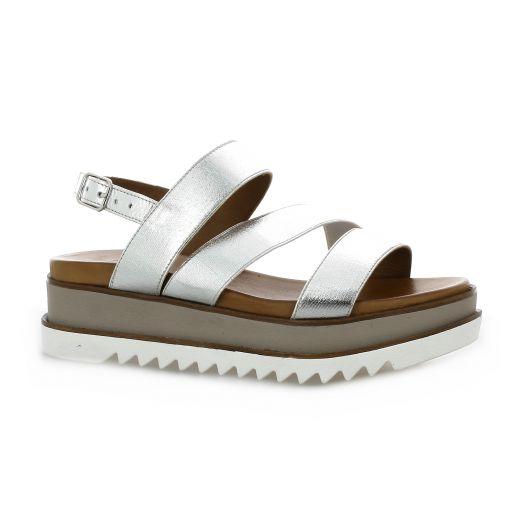 8508be928fac Chaussures nu-pieds Inuovo cuir laminé argenté 8929