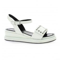Adele dezotti Nu pieds cuir blanc